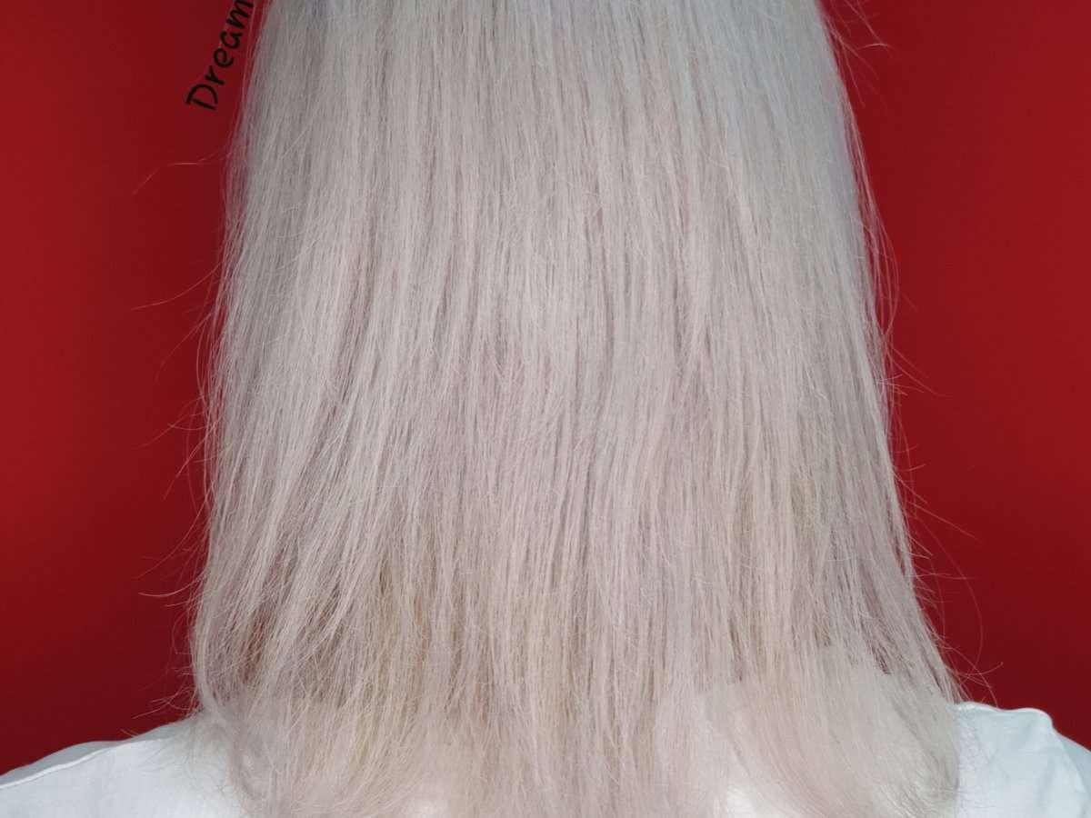white hair 1
